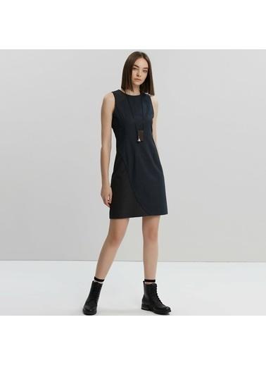 Yargıcı Bağ Detaylı Elbise Lacivert